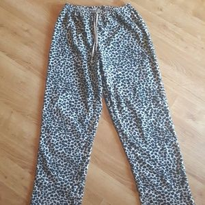Great Northwest Size Small leopard pajama bottoms